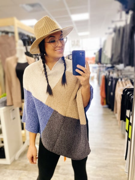 Chenille Color Block Poncho One Size (2 Colors)