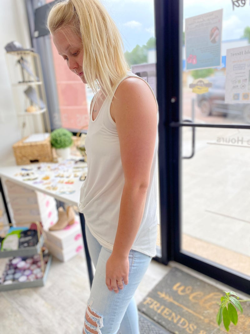 Loose Fit Basic Tank (Multiple Colors, all Sizes)