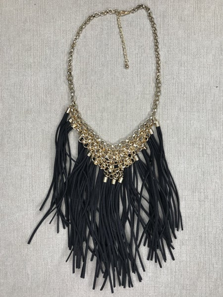 Circle Patterned Chain Necklace With Multiple Fringes