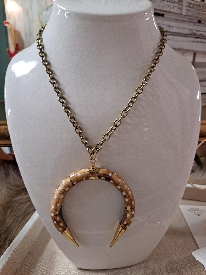 Love Poppy Short Horn Necklace - Axis