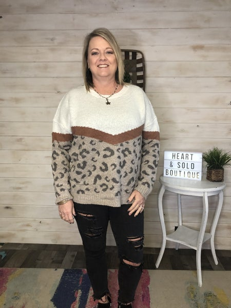 Easel Rust/Leopard Sweater