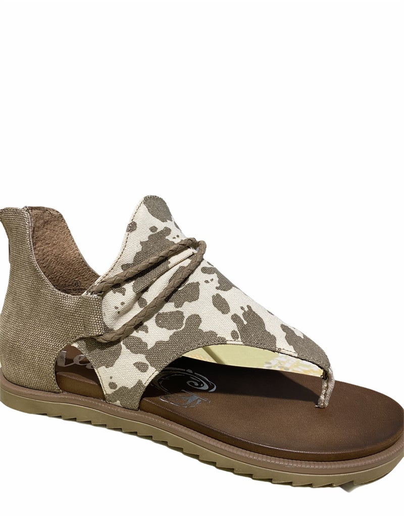 Angelika Loose in the Country Sandal