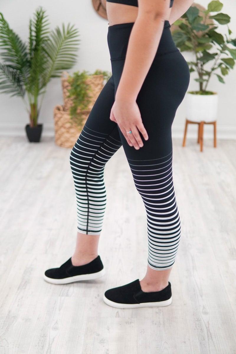 Graduated Striped Capri Leggings