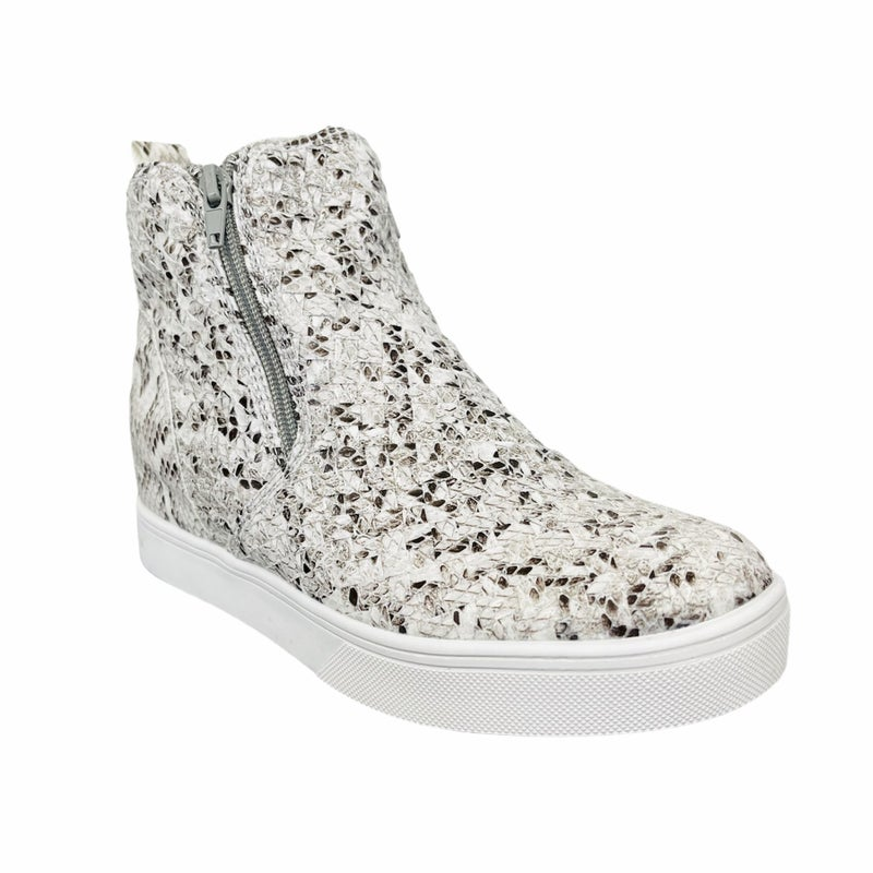 Corky's Hunt Sneakers