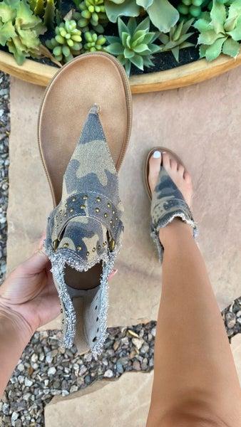 Very G Journey Camo Sandal