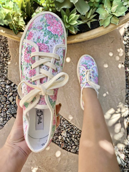 Very G Crochetta Floral Sneaker