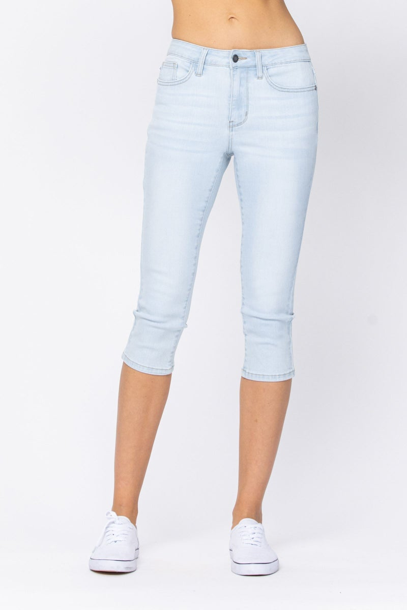 Judy Blue Non-distressed Light Washed CAPRI