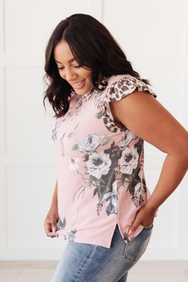 Floral Wild Side Lounge Top In Mauve