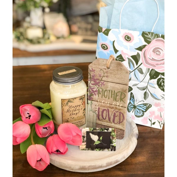 Mother's Day $100 Gift Card and Candle Set