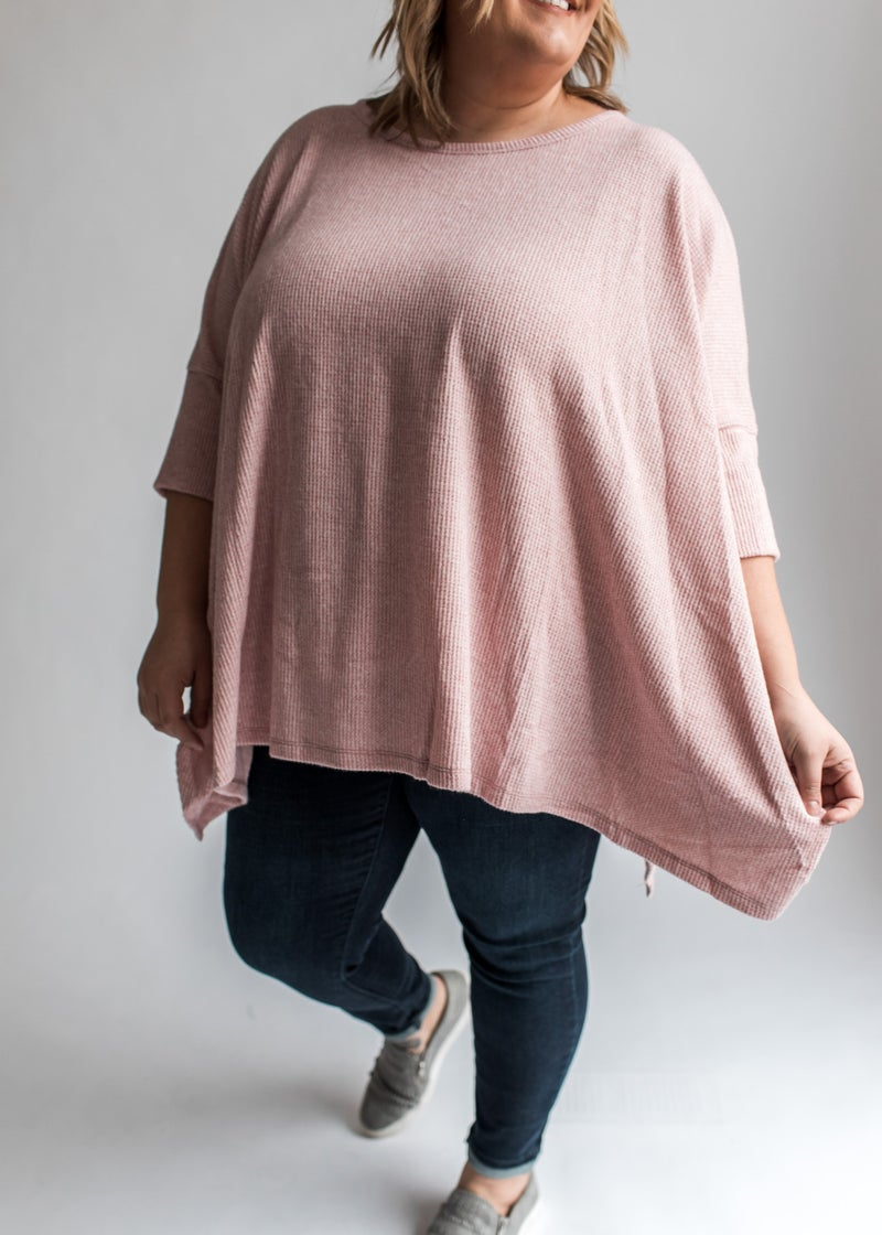 Shiloh - Mauve Textured 3/4 Sleeve Sharkbite Hem Tunic