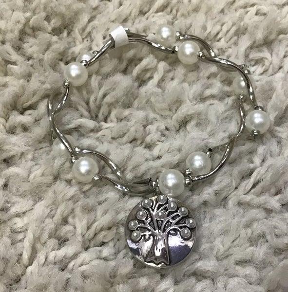 Pearl Stretch Snap Bracelet