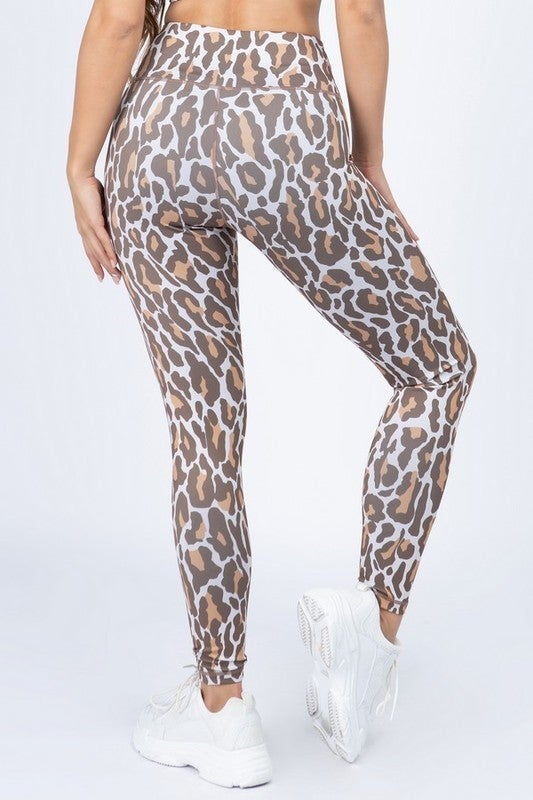 Lovin' in Leopard Leggings