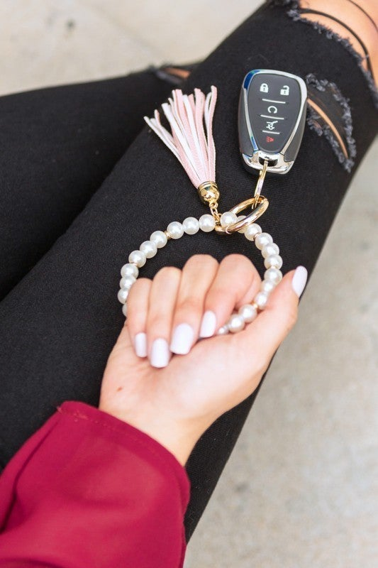 Can't Lose Them Classic Pearl Key Ring Bracelet