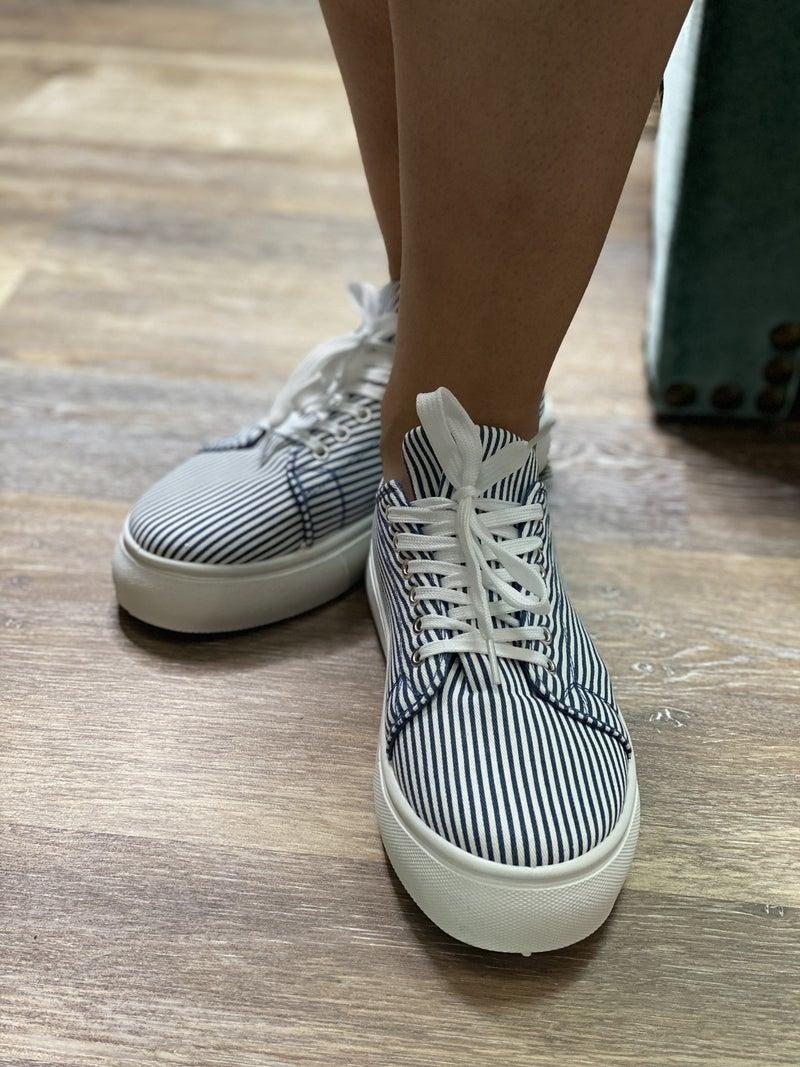 The Daphne Sneaker