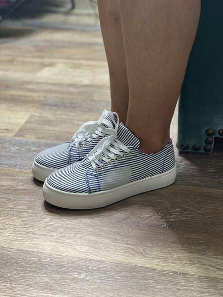 The Daphne Sneaker
