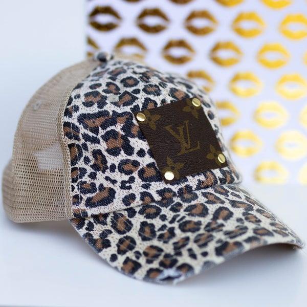 Safari Love Hat