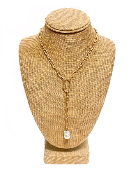 The Holly Necklace