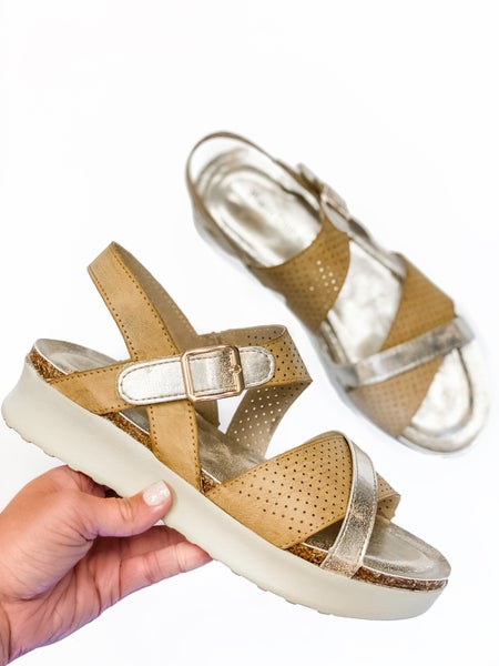 The Grace Wedge *Final Sale*