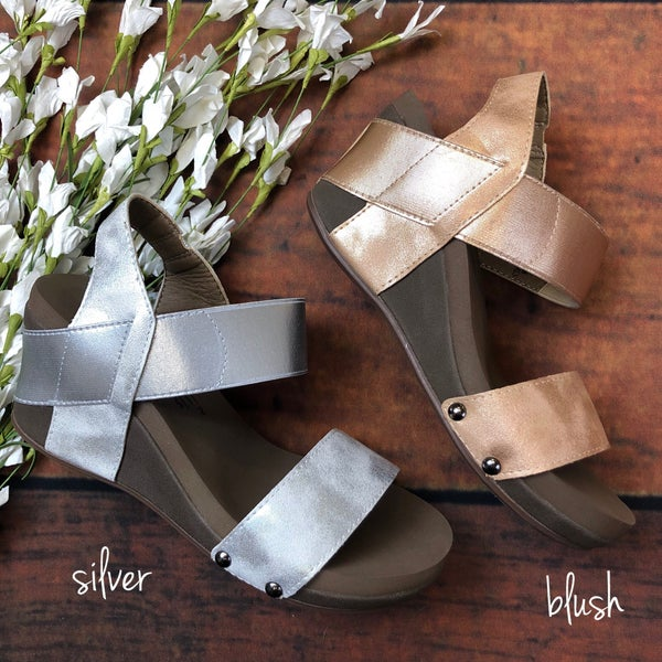 Stand Out Wedge