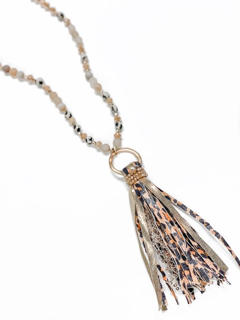 The Kylar Necklace Beige