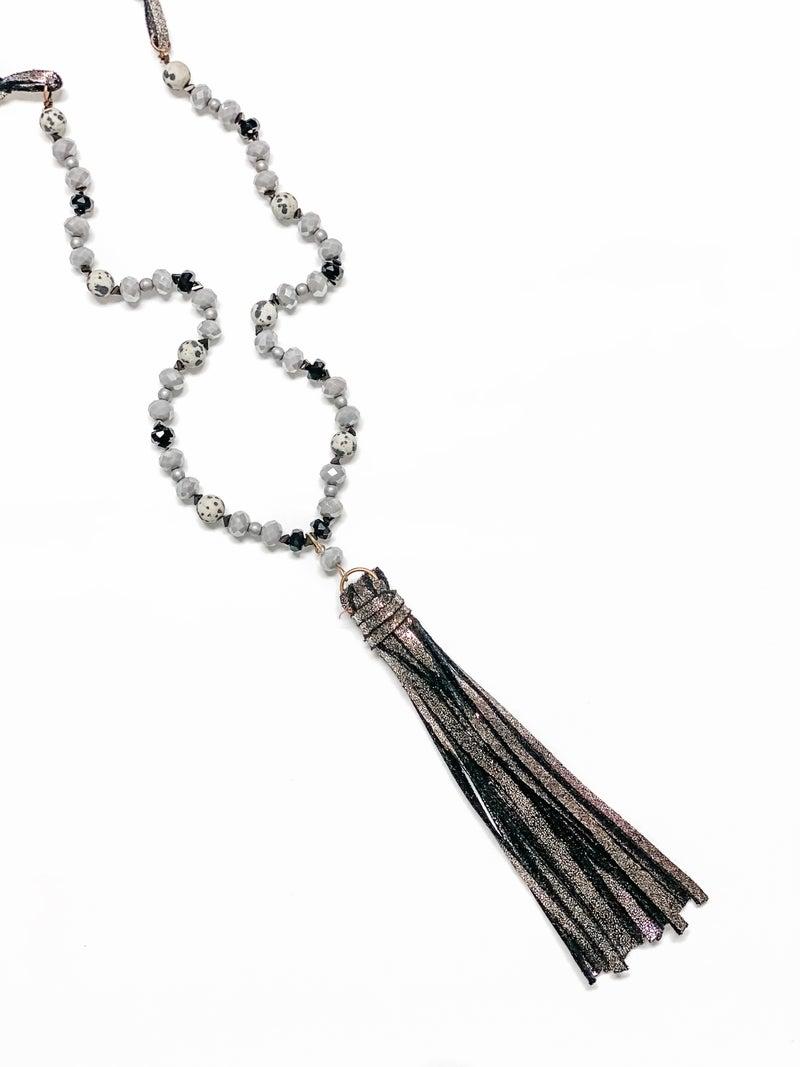 The Havanna Necklace Grey