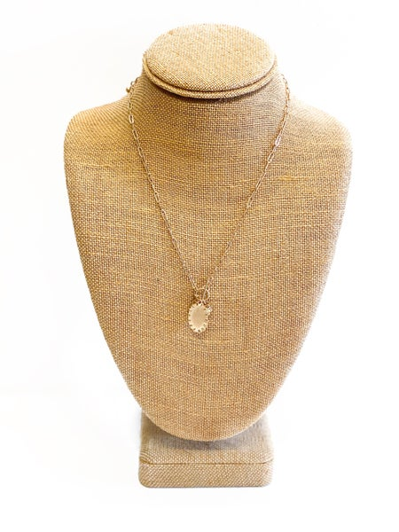 The Evelyn Dainty Necklace
