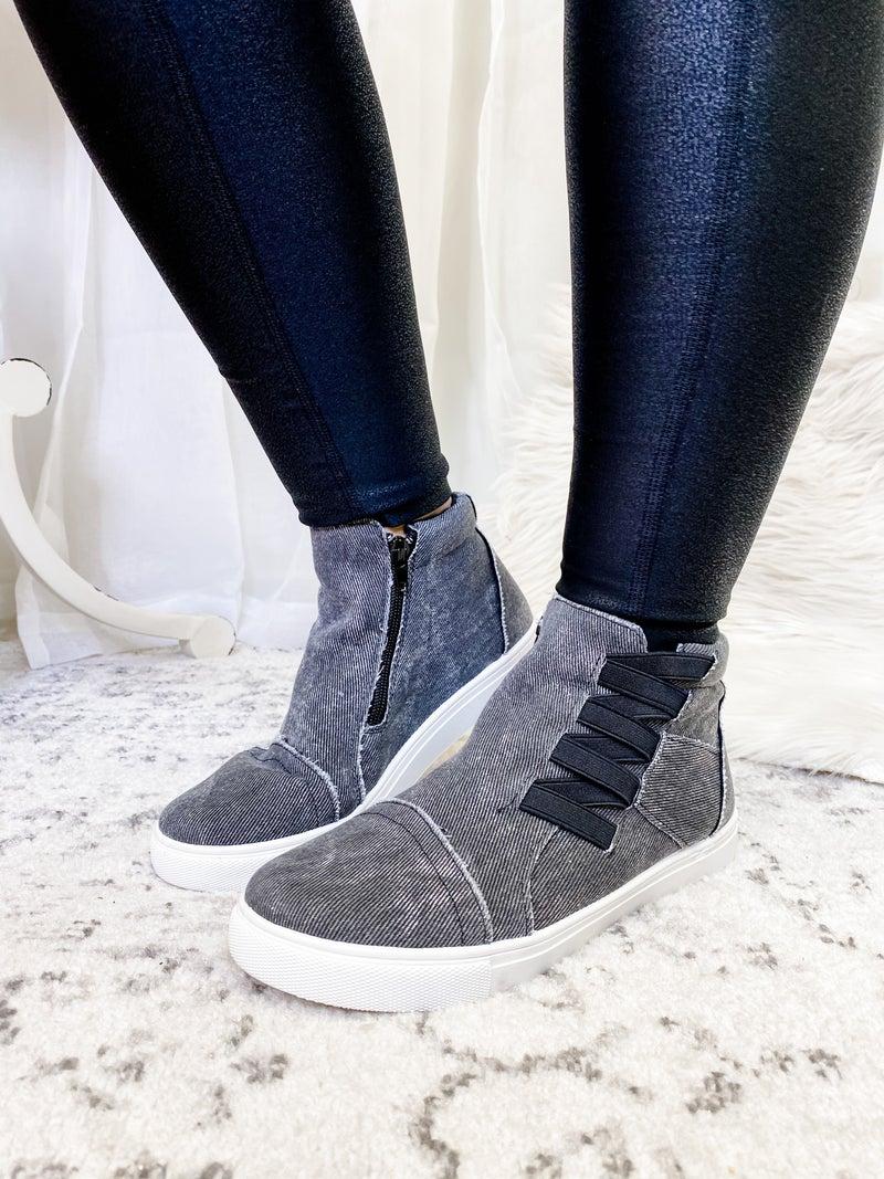The Amelia Sneakers