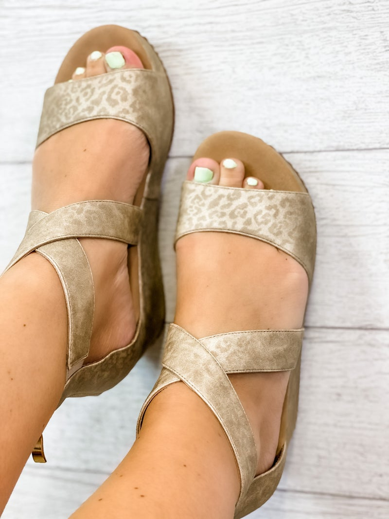 The Amber Wedge Gold Leopard