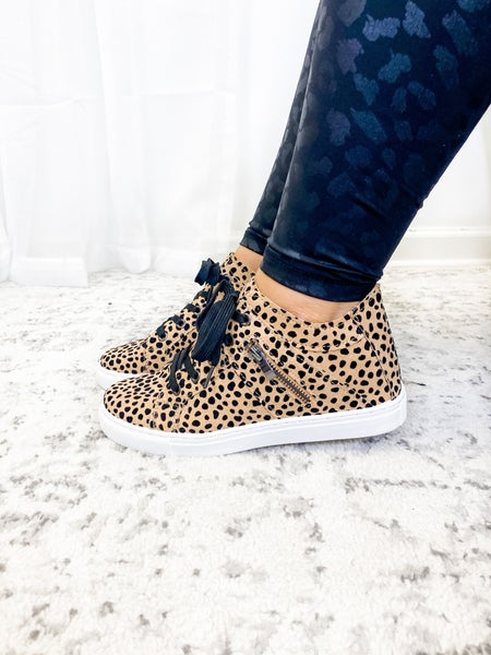 The Lesley Sneakers