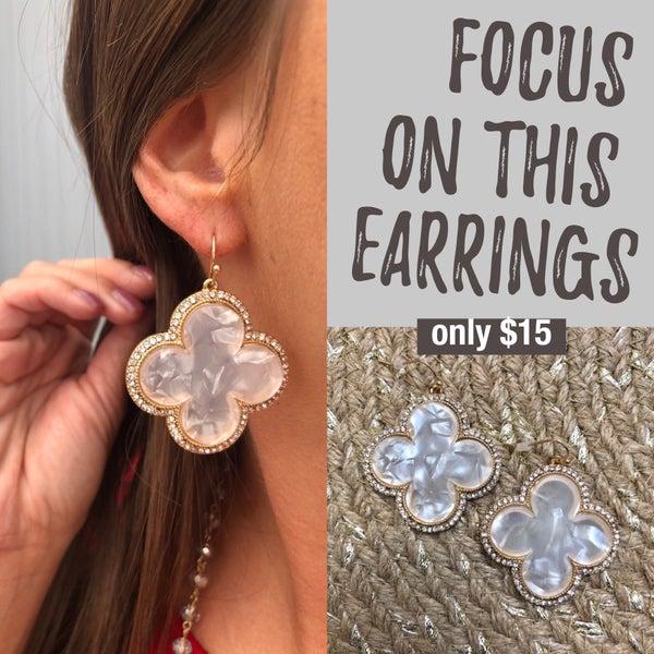 Focus On This Earrings