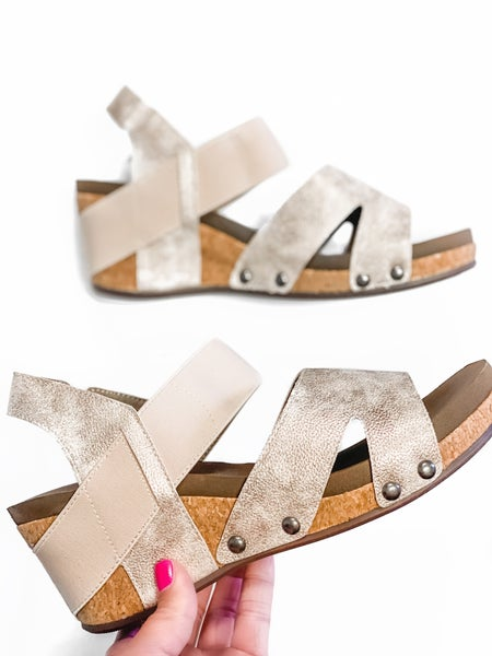 The Finley Wedge Gold *Final Sale*