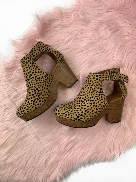 Walk On By Wedge Cheetah *Final Sale*