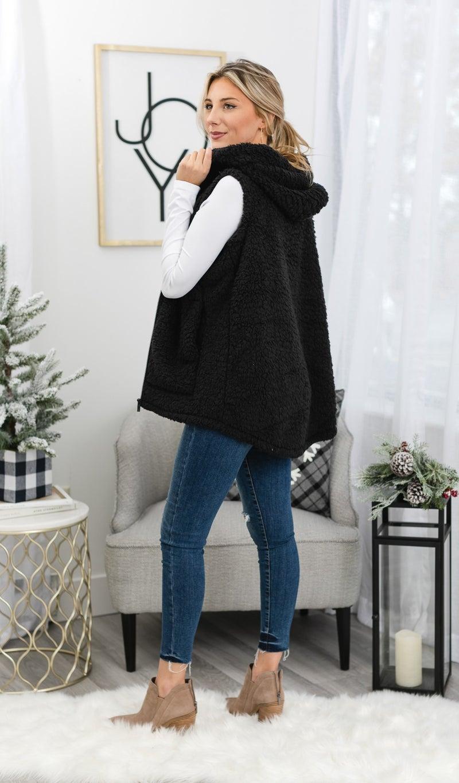 The Amber Sherpa Vest, Black