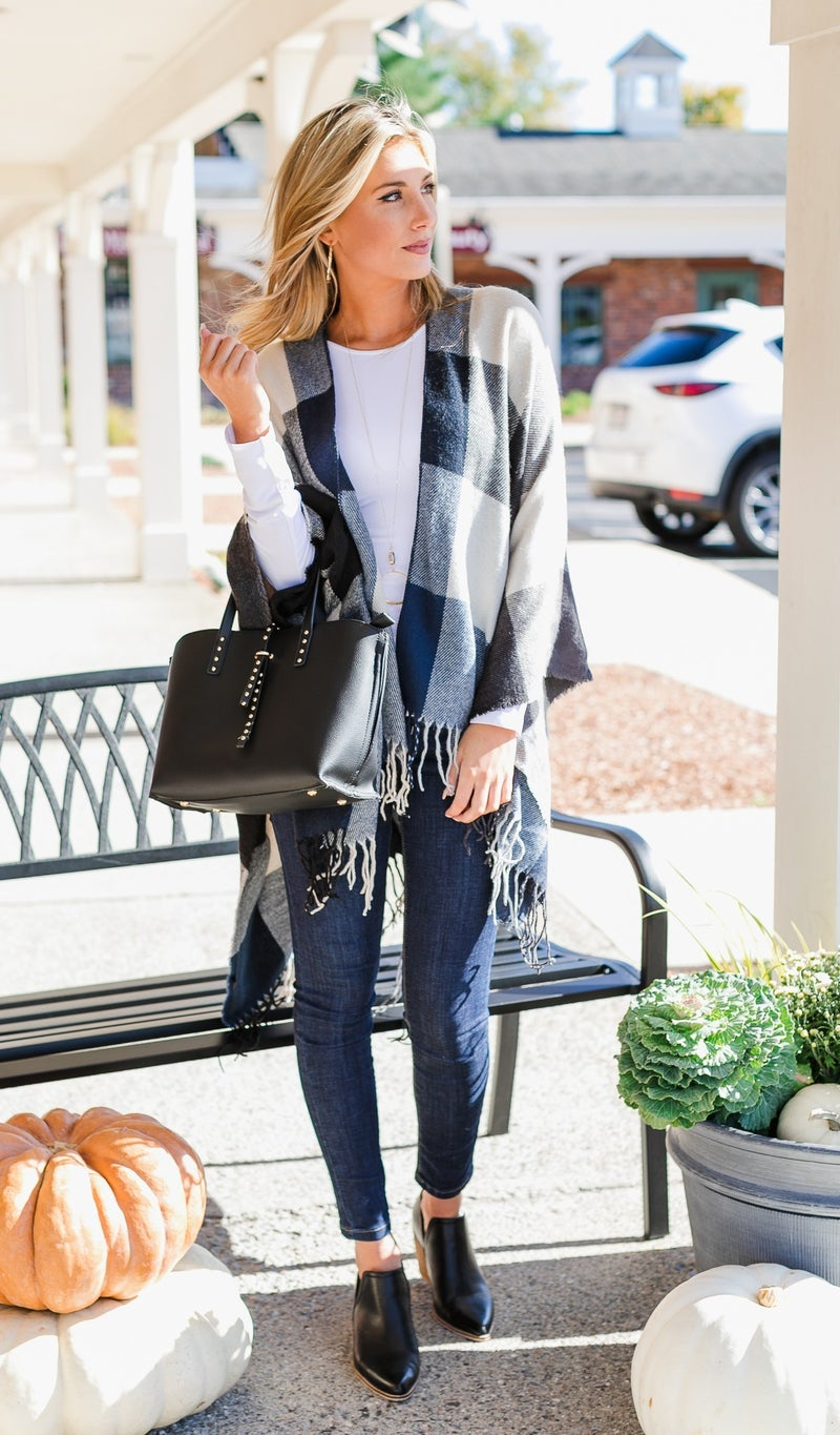 Chill In The Air Wrap, Navy Plaid