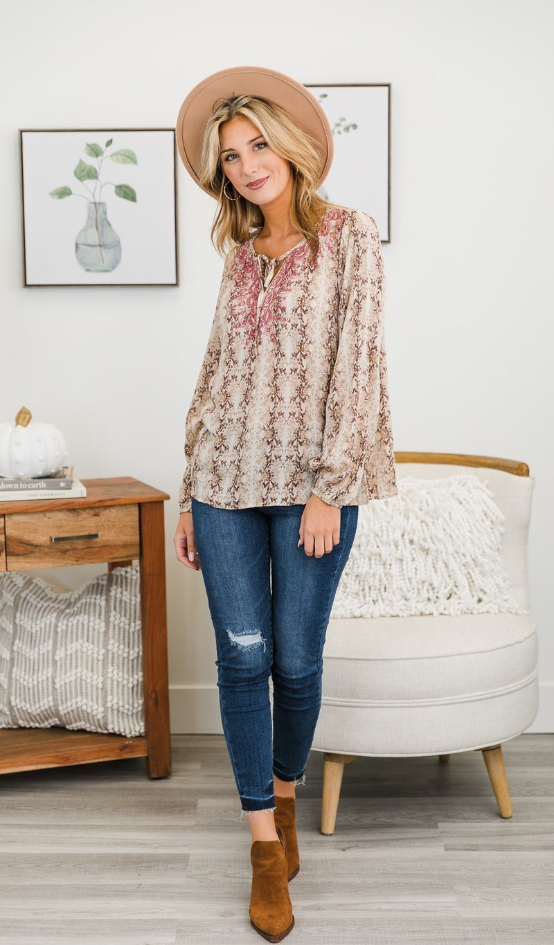 Girl On The Go Blouse, Taupe
