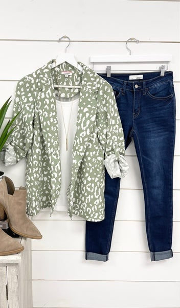 The Kiera Blazer Cardigan, Sage