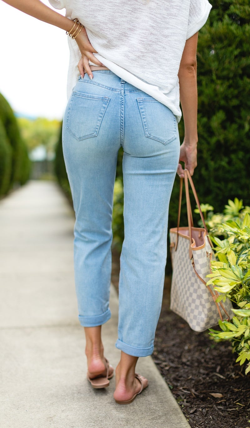 Living The Dream Boyfriend Jeans, Light Wash