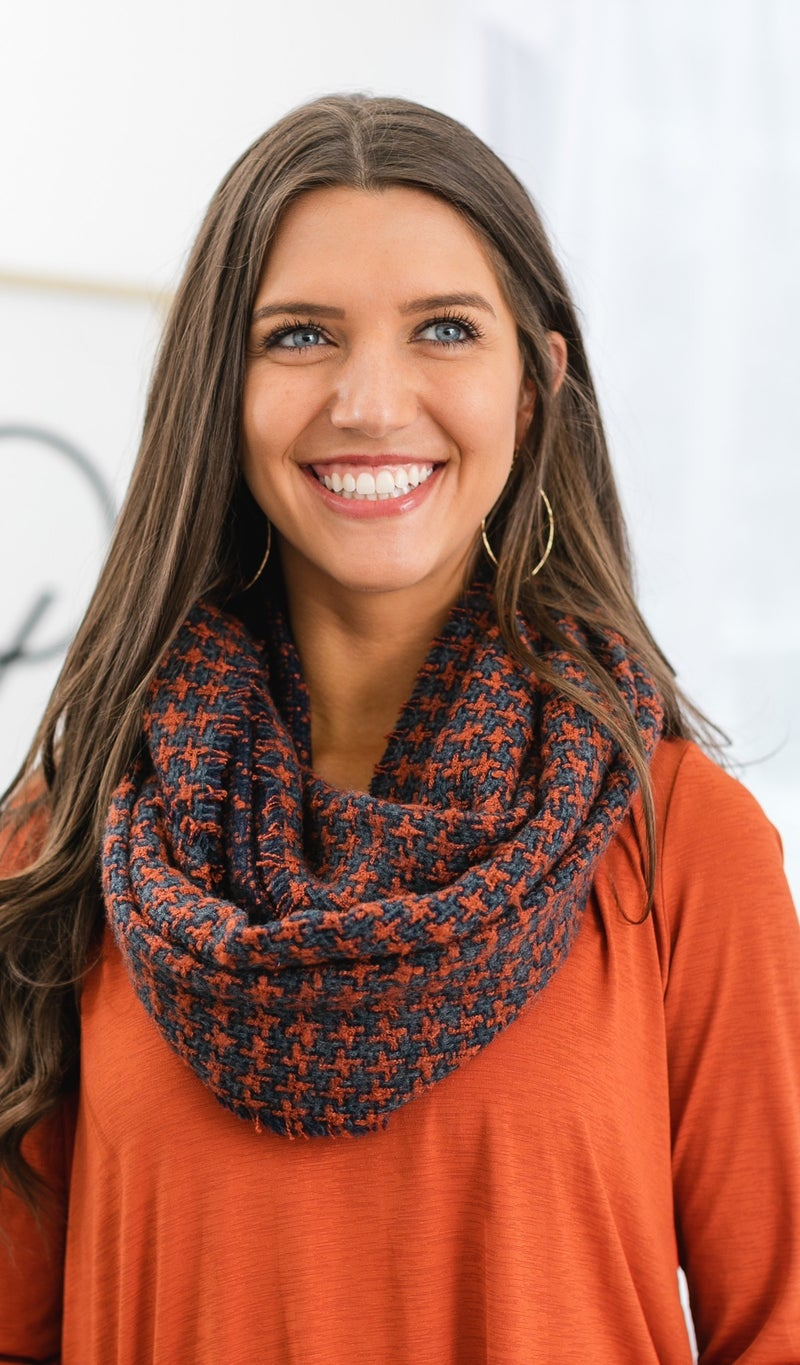 Autumn Breeze Houndstooth Pattern Scarf, Charcoal