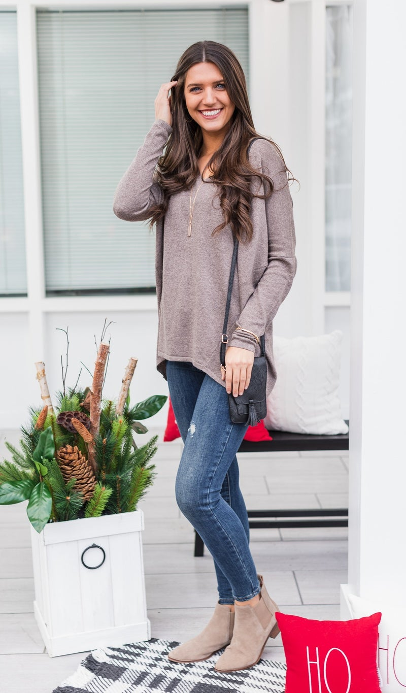 The Charlie Boyfriend Sweater, Mocha