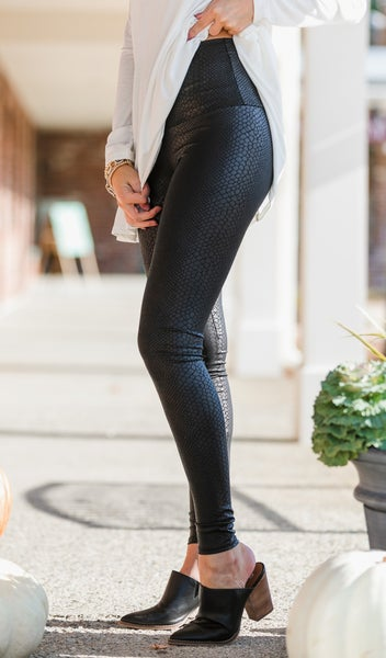 Daring Diva Leggings, Black
