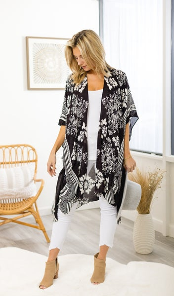 The Carolina Poncho, Black