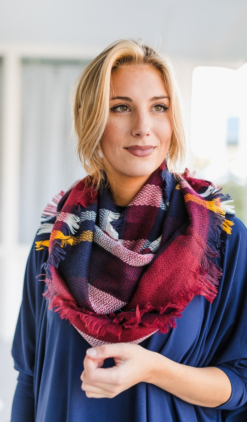 The Perfect One Circle Scarf, Red