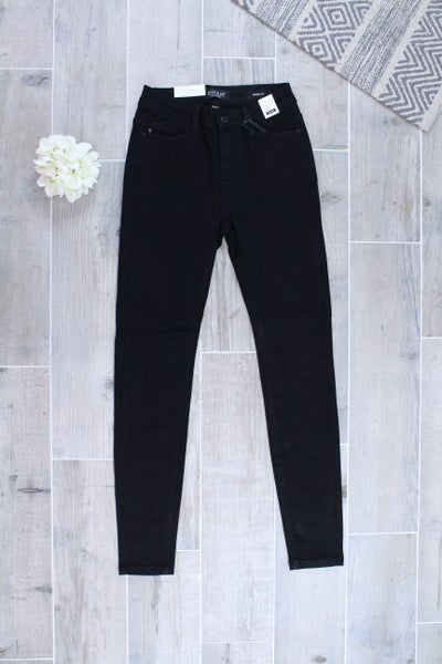 Mid-Rise Skinny Fit Judy Blue Jeans