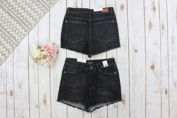 Adorable Cut Off Judy Blue Shorts