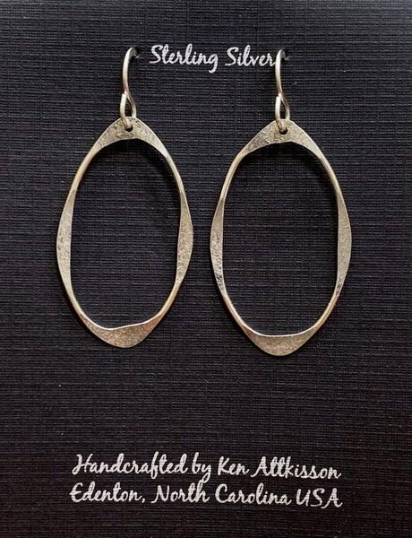 Sterling Silver Hammered Oval Earring