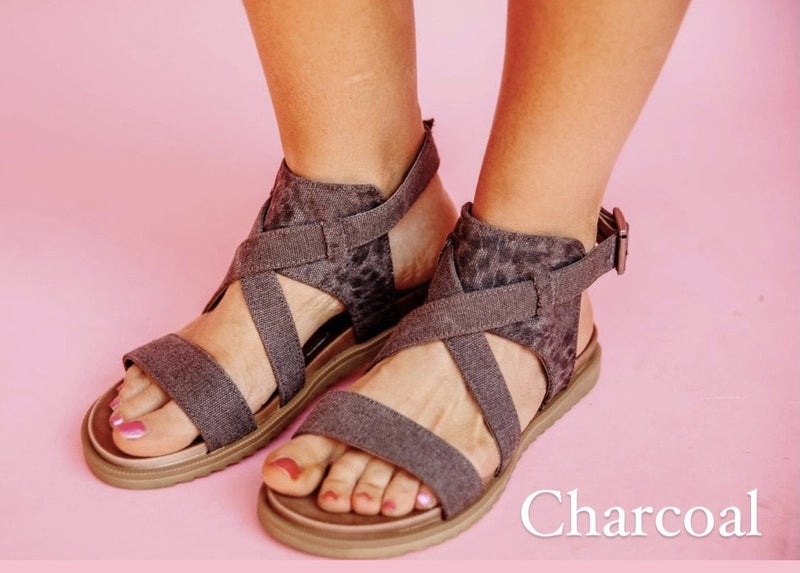 The Courtney Sandals - Very G