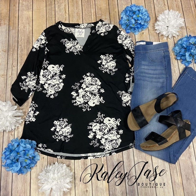 SIL Soft Black Ivory Floral Gabby Top *Final Sale*