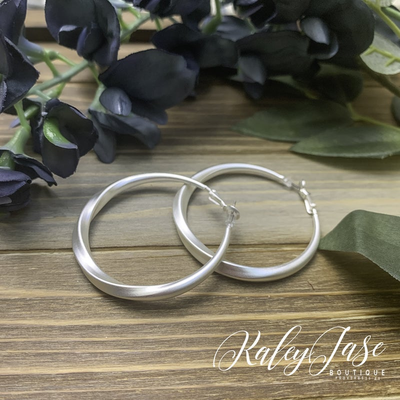 Matte Twisted Hoops -G8