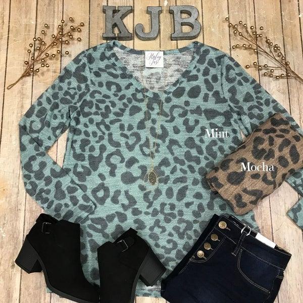 Leopard Knit LS Vneck Top