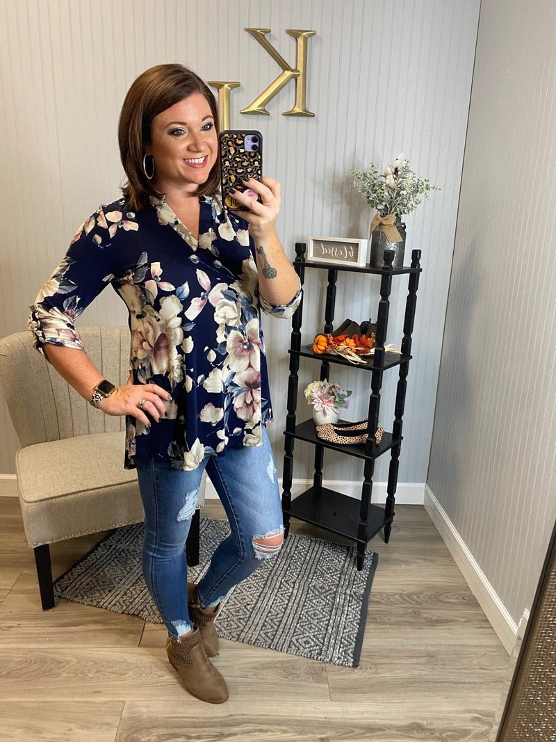 HM Navy Ivory Floral Gabby Top